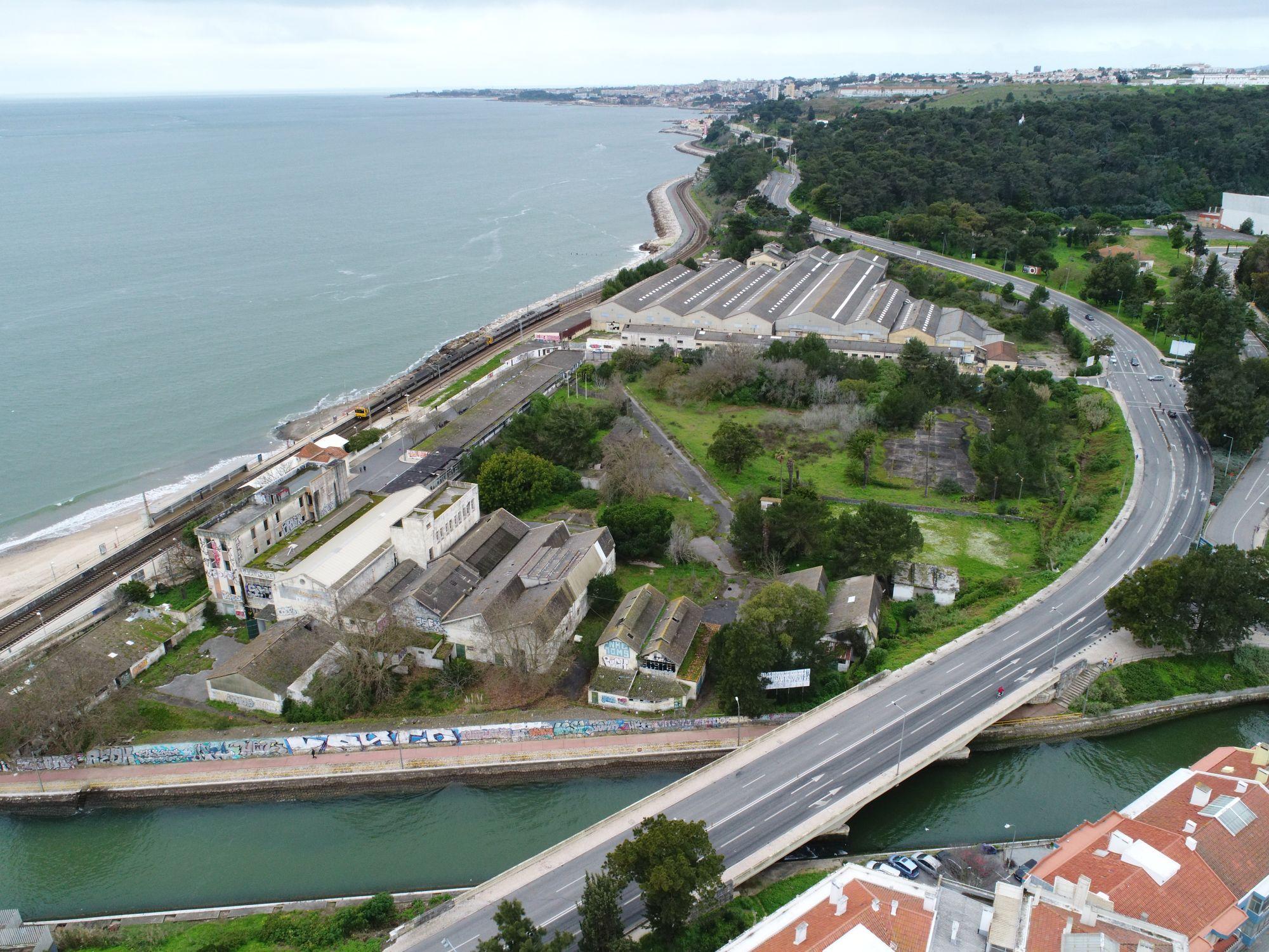 vista aérea da foz do rio Jamor